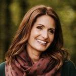 This is the author headshot of Amy Groeschel.